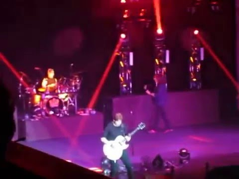 George Thorogood - Move it on Over - May 4 - 2016 - Centennial Hall London