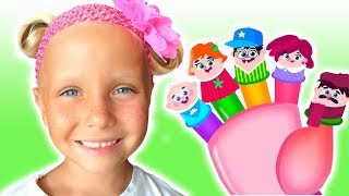 Kids play with toys for fingers/ Finger Family song