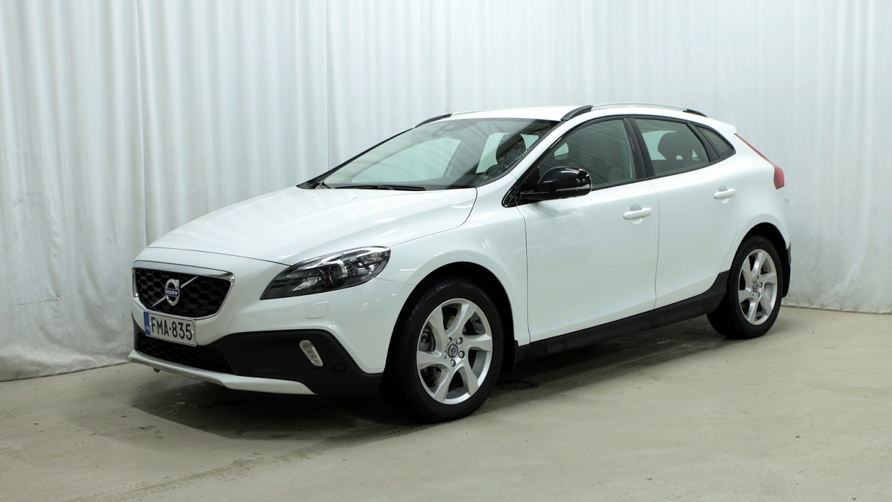 volvo v40 cross country d2 momentum a my16 1 youtube
