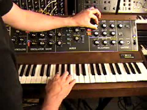 Demonstration of the Moog Minimoog