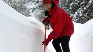 Good shoveling mechanics