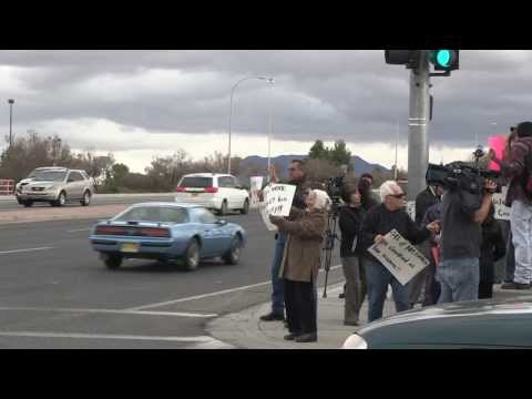 National Minimum Wage Increase Protest Reaches Las Cruces