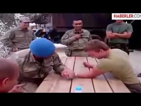 Türk Askeri ile Hollanda Askeri Bilek Güleşi Yaparsa
