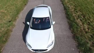 Die Harke testet das Elektroauto Tesla Model S