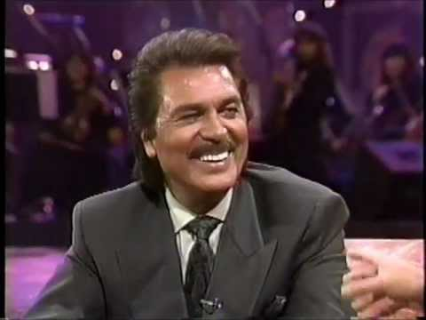 Engelbert Humperdinck in an interview with Rick Dee.wmv