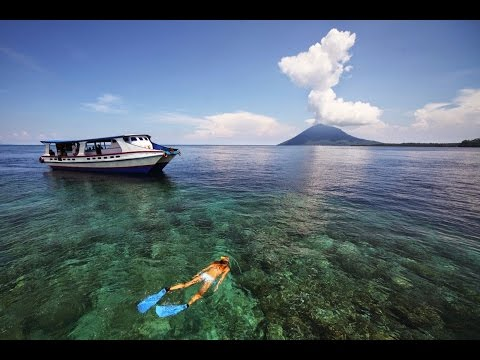 10 BEST DIVING SITES IN INDONESIA [] 1. BUNAKEN NATIONAL MARINE PARK