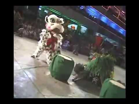 Múa lân với bò cạp - lion dance with scorpion