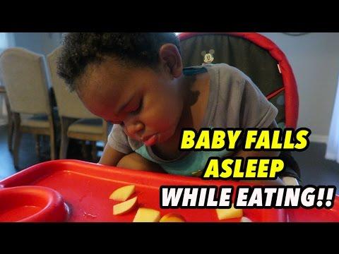 BABY FALLS ASLEEP WHILE EATING!!