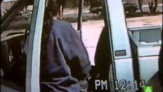 Crimenes imperfectos    Un mordisco en una camioneta