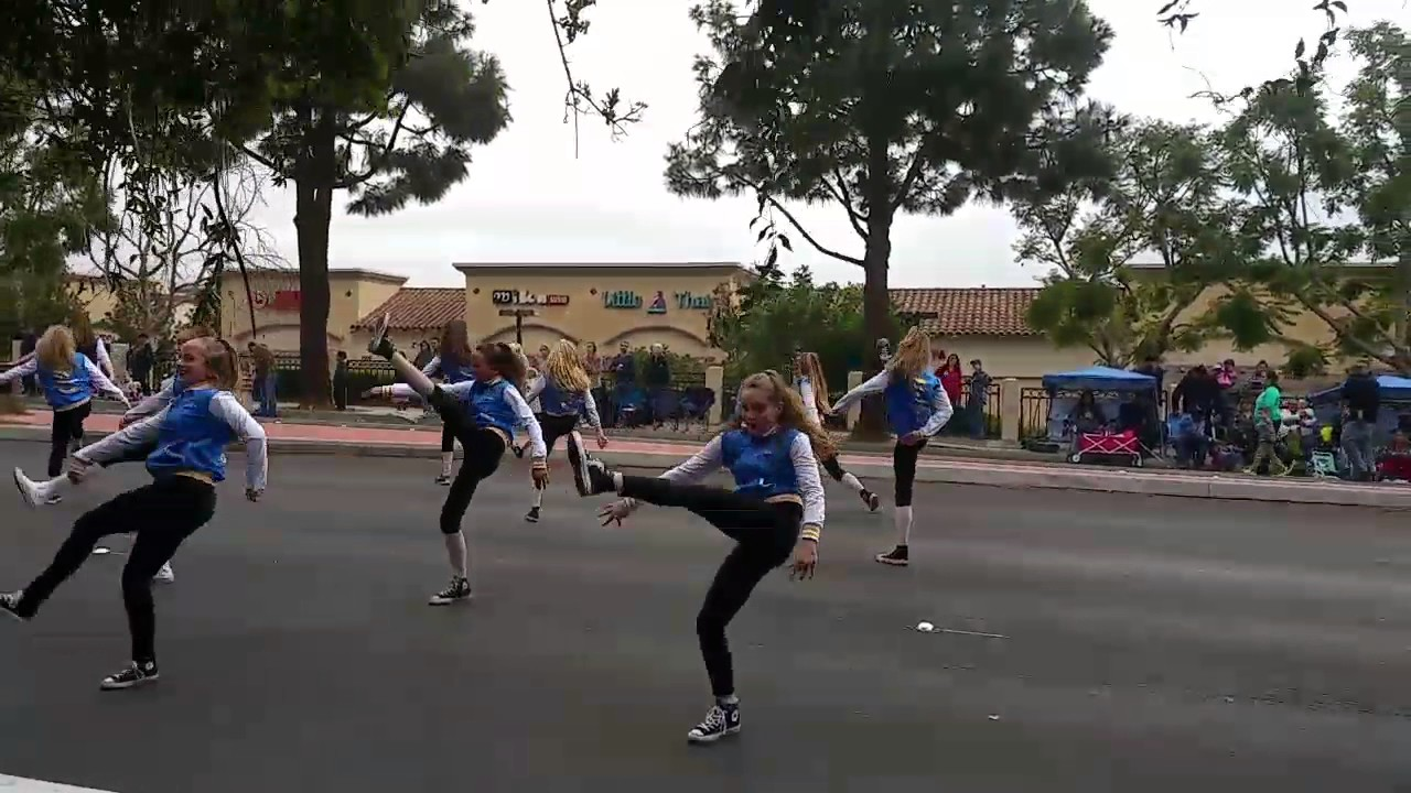 12/10/16 Camarillo Christmas Parade - YouTube