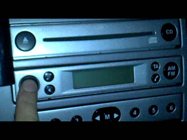 Ford Fiesta Aux Mp3 Su Autoradio Di Serie 4500 Rds Eon Youtube