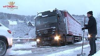 Schneefall sorgt erneut für erhebliche Verkehrsbehinderungen (Kreis Siegen-Wittgenstein/NRW)