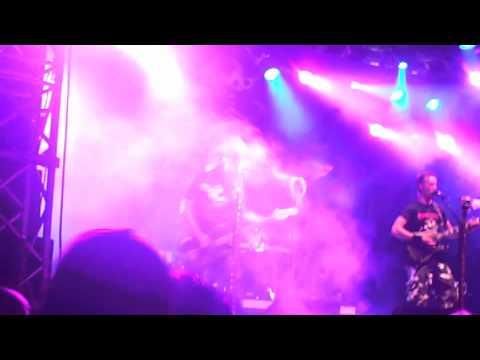 Raubtier - Dieselrök (Lyrics) (+English lyrics) - YouTube