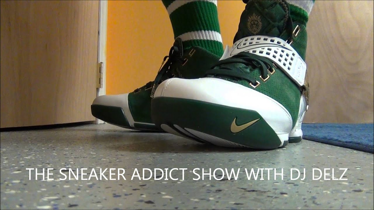 a8c520936fa Nike Lebron 5 SVSM Sneaker Review + On Feet With Dj Delz - YouTube