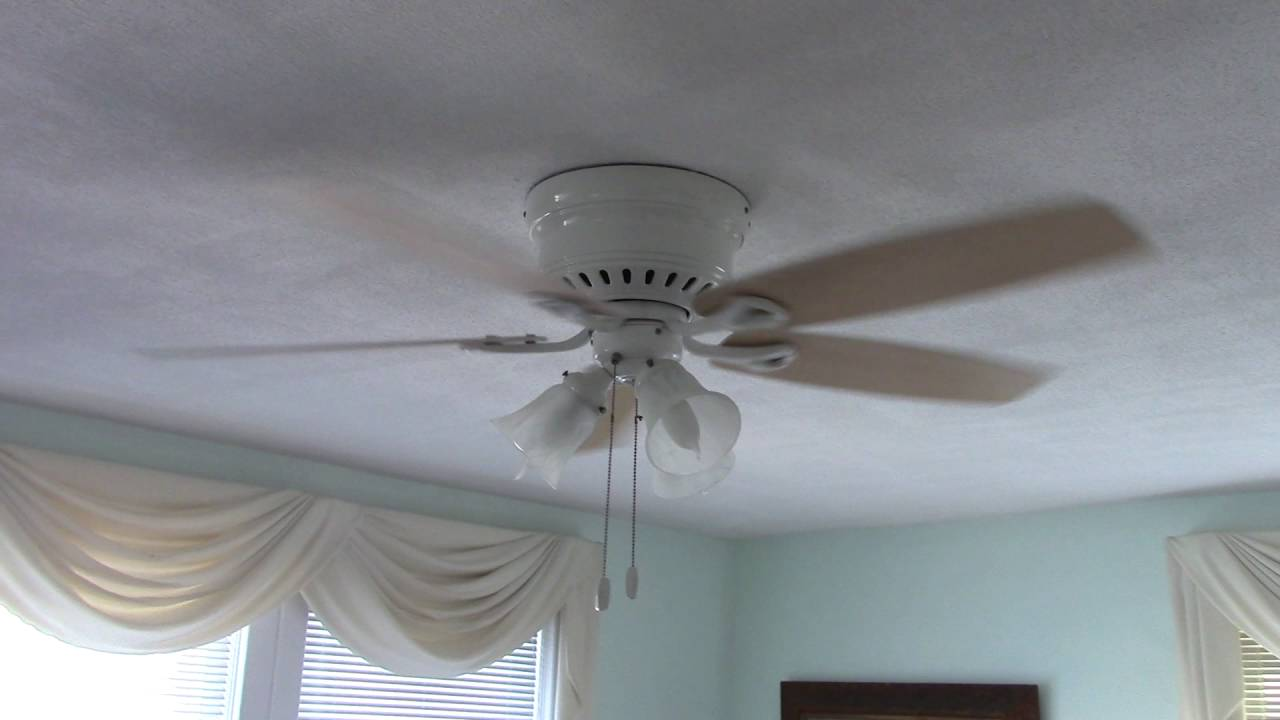 Hunter Oakhurst Ceiling Fan (w/ bad capacitor) - YouTube