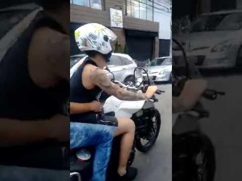 Mc Gui Empinando Moto Bmw F800 Youtube 14:33 canidia alemão 116 927 просмотров. mc gui empinando moto bmw f800 youtube