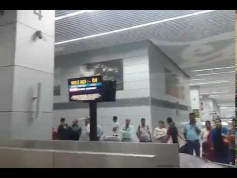 Inside View of Kolkata Airport - Luggage (Bag) Collection Process after Arrival - Kolkata Airport