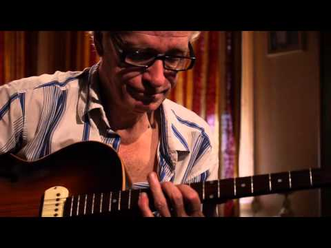Chords for John Lawlor plays Moonglow