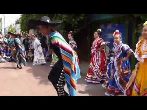 Mexican Folk Dance at Balmy Alley