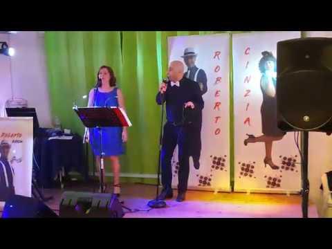 Cinzia e Roberto cantano