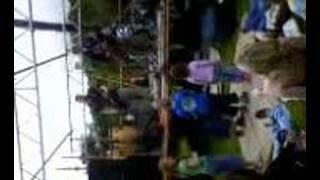 gwirioneddol - gwin coch yn y ring