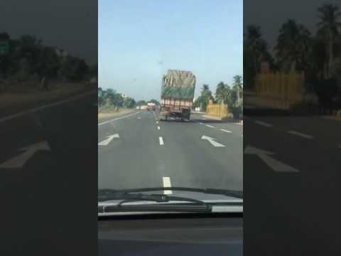 Yesterday accident in Ambur to vaniyambadi road