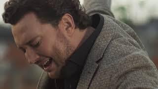 Tino Martin – Een Keer (officiële videoclip)