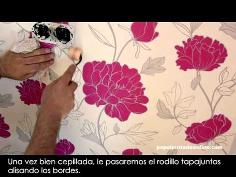 Colocacion papel pintado youtube for Papel para forrar paredes banos