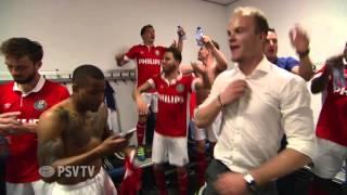 PSV kampioen; ontlading in de kleedkamer