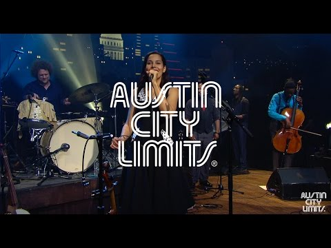 "Austin City Limits Web Exclusive: Rhiannon Giddens ""Mouth Music"""