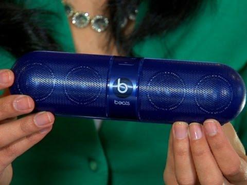 Unbox the Beats Pill mini bluetooth speaker