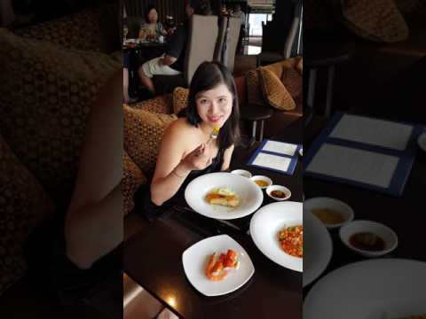 Sunday Brunch at ToTT's and Roof Terrace, The Execelsior HK