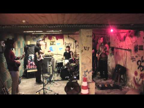 "Descartes - ""Ensaio"" Live @ Honey Bomb Sessions #1"