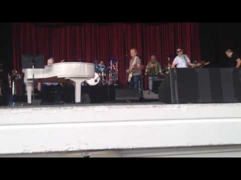 Sail Away sound check with Brian Wilson, Al Jardine and Blondie Chaplin