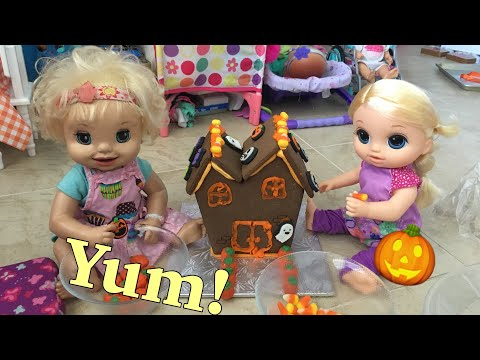 BABY ALIVE: Danielle & Brittany Decorate a Haunted House!
