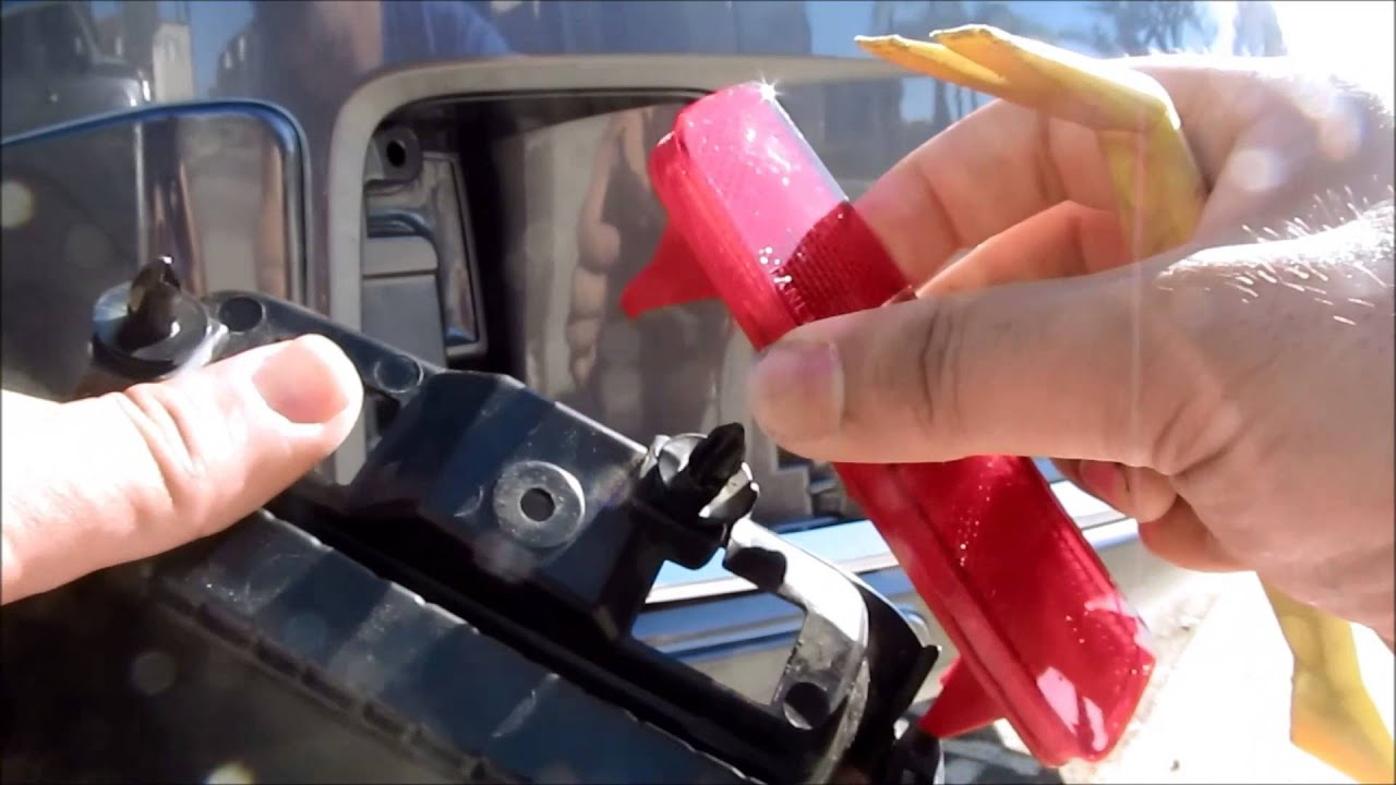 DIY 2013 2014 2015 Honda Accord Coupe Rear Bumper Reflector Assembly removal and Installation ...
