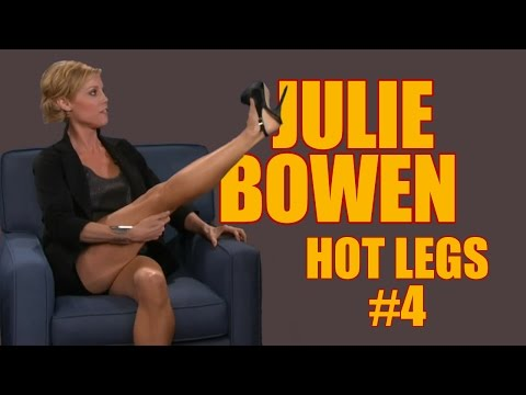 Julie Bowen  Hot Legs 4