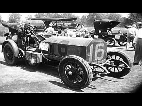 Antique automobile pageant in Mineola, New York HD Stock Footage