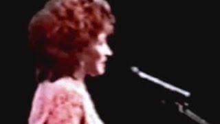 Shirley Bassey - Never Never Never (Grande Grande Grande) (1994 Live in Tokyo)