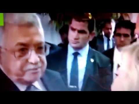 Mahmoud Abbas and Benjamin Netanyahu shook hands at the funeral of Shimon Peres