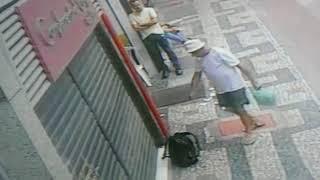 Homem tem dia de Silvio Santos e espalha dinheiro pelas ruas de BH