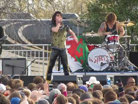 The Struts Complete PRIMADONNA LIKE ME at Radio 104.5 Winter Jawn (1/27/18)