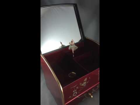 May 22 2016 Vintage Lacquer Music/Jewelry Box