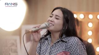 Download lagu Ku bahagia Melly Goeslow X Nagita MP3