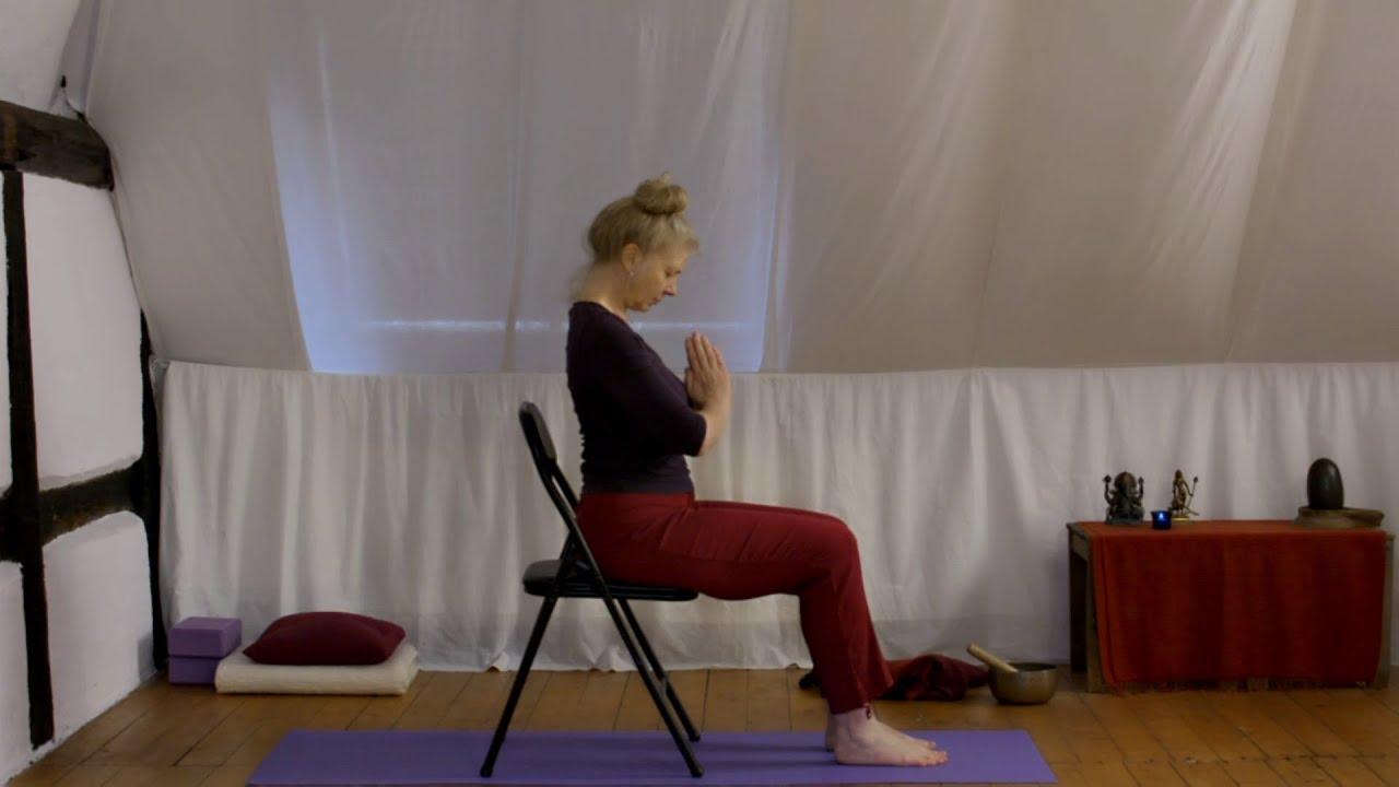 sonnengru auf dem stuhl shadanga yoga youtube