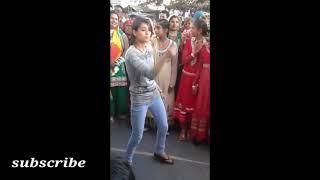 desi wedding dance on dj    Dj पर देहाती लड़कियों का शानदार डांस