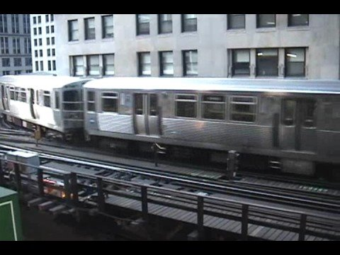 """Chicago """"L"""" Trains at Lake and Wells"""