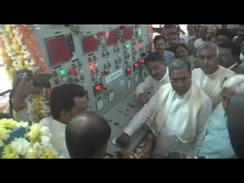 CM inspects drought affected areas in Gadag District
