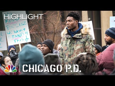 Chicago PD - Share the Moment: The Flag (Episode Highlight)