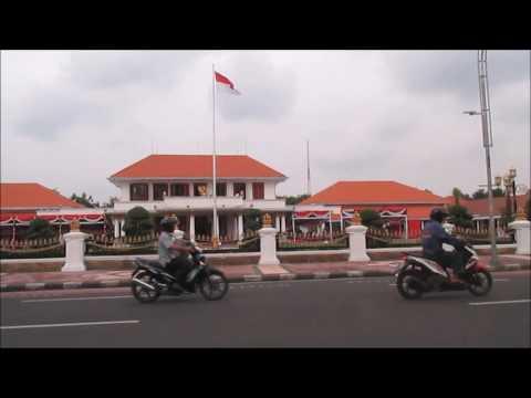 Eating Local Foods in Surabaya